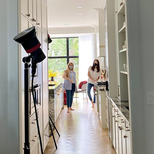 Interior photoshoots are special days because that's when the whole team gets to see the project in its full physical glory!  We had a lot of fun taking photos of the custom home project, Davisville!  Visit our website to look through the photo gallery 👇 www.dvira.com/galleries/davisville . . . . . . . #dvirainteriors #torontointeriors #ontariodesign #designers #interiorphotoshoots #interiorphotos #customhome #customhomes #davisville #interiorphotoshoot #photoshoots